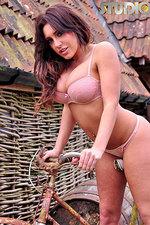 Ashley Emma 00