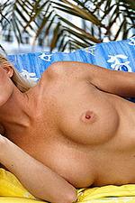 Niki Lee Young 06
