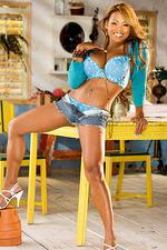Mary Alejo 02