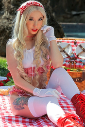 Flavor Of The Month Kenzie Reeves